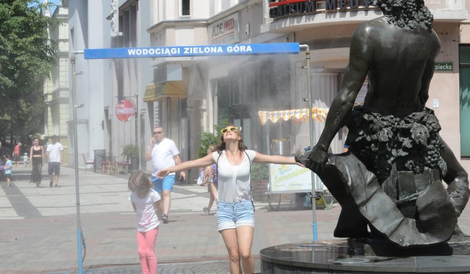 Film do artykułu: Ogromne upały w Lubuskiem. Żar leje się z nieba. Jak schłodzić organizm? Co pić? Kiedy przyjdzie ochłodzenie?