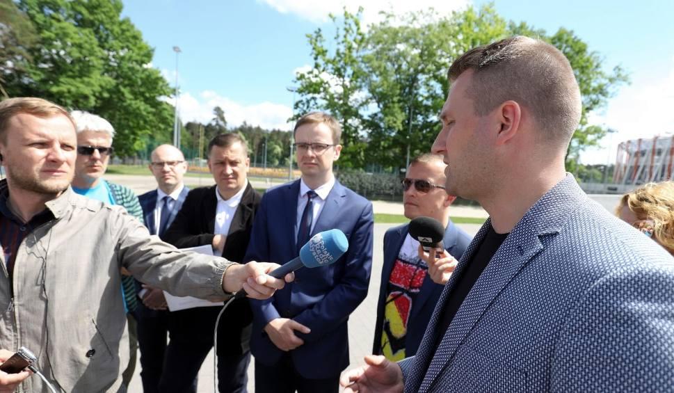 Film do artykułu: PiS chce dać Jagiellonii Białystok przynajmniej pół miliona na europejskie puchary. A prezydent na to: 750 tys., nawet milion [WIDEO]