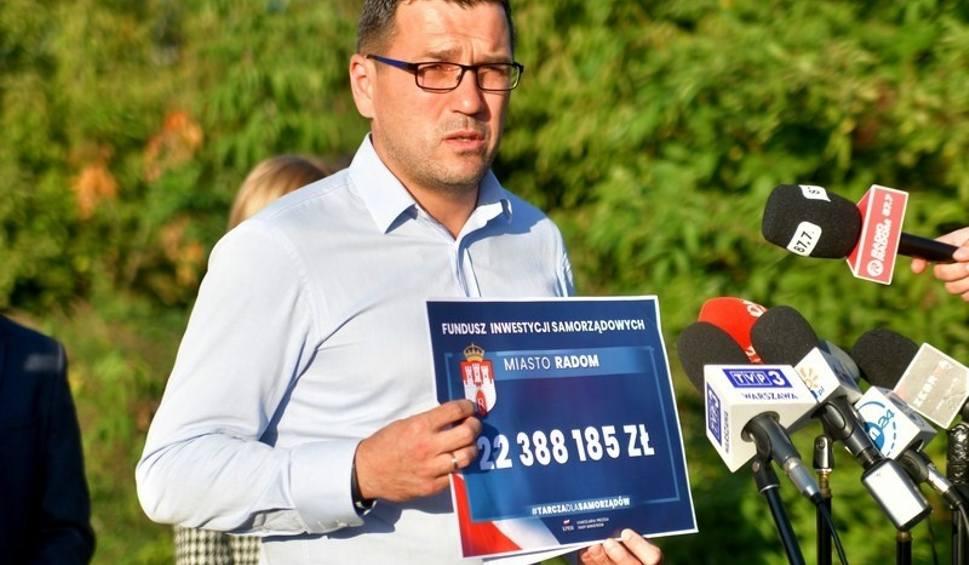 Film do artykułu: Radni Prawa i Sprawiedliwości z Radomia pytają: dlaczego Radosław Witkowski nie inwestuje środków z Funduszu Inwestycji Samorządowych?