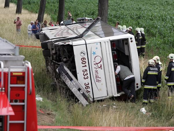 Wypadek autokaru z polskimi uczniami na Węgrzech. Osiem osób rannych