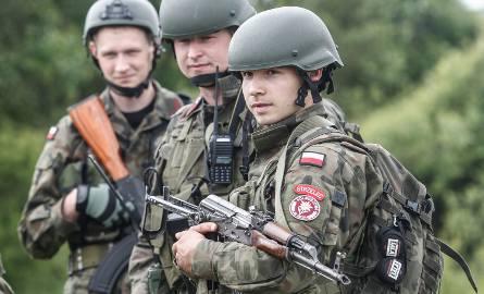 """Większość młodych ludzi działających w organizacjach paramilitarnych, jak ZS """"Strzelec"""", już współpracujących z wojskiem, deklaruje gotowość wstąpienia"""