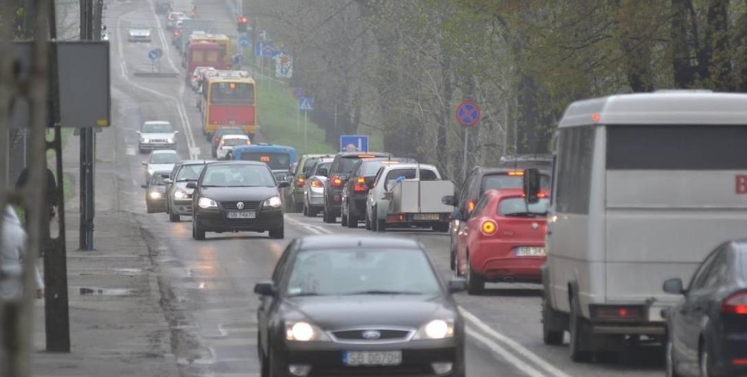 Ulica Cieszyńska w Bielsku-Białej jest zakorkowana o każdej porze roku, o każdej porze dnia. Przebudowa to konieczność