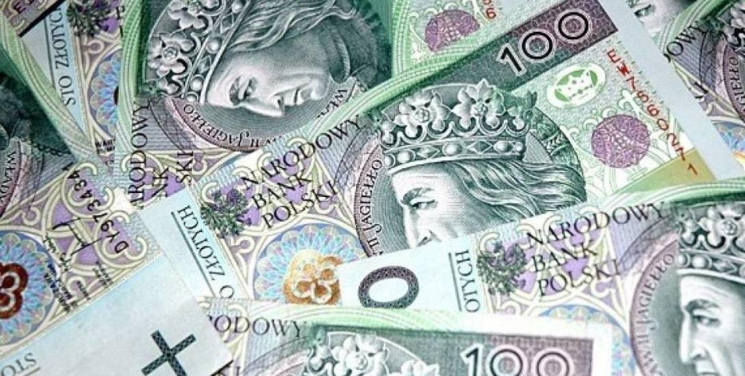 Po obniżce pensji samorządowcy zarabiają... niewiele mniej