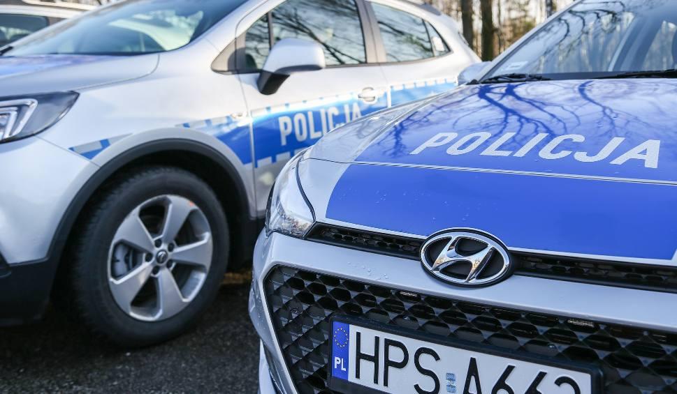 Film do artykułu: W Starachowicach obywatel zatrzymał pijanego kierowcę, wyciągnął mu kluczyki ze stacyjki.