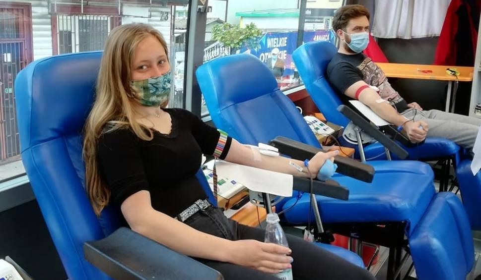 Film do artykułu: Lipcowe zbiórki krwi w regionie radomskim. Zobacz, kiedy w twojej miejscowości pojawi się krwiobus [LISTA]