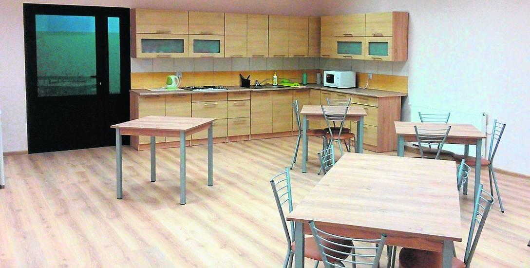 Od niedawna w Zespole Szkół Ponadgimnazjalnych w Białogardzie działa  internat z dobrze wyposażoną kuchnią. Przeznaczony jest dla 24 uczniów.