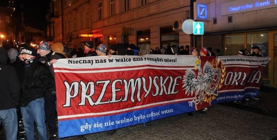 """Proces za okrzyk """"śmierć Ukraińcom"""" podczas marszu w Przemyślu [WIDEO]"""