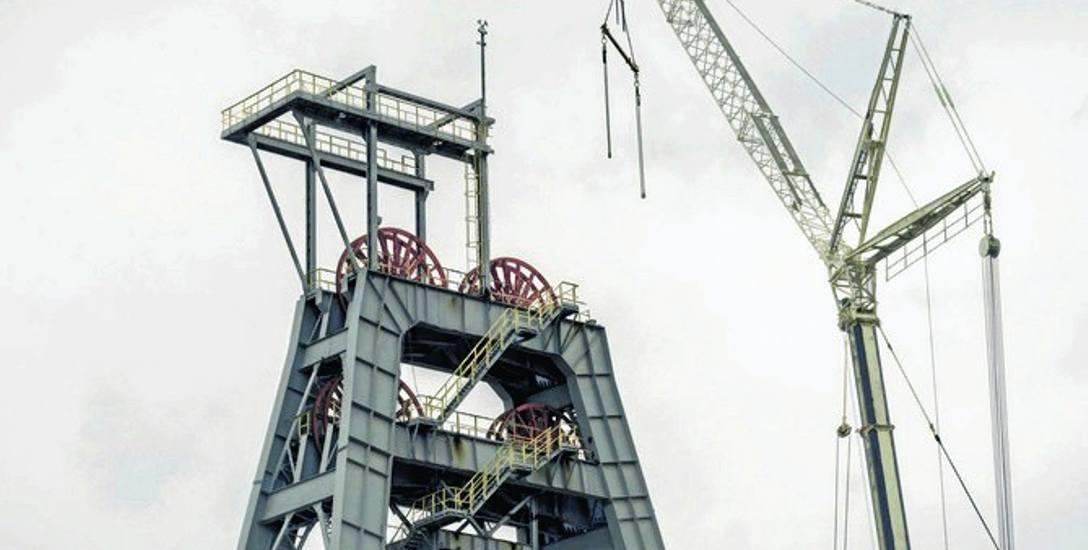 Demontaż wieży szybowej KWK Makoszowy to bolesny widok dla mieszkańców Zabrza. Do końca walczyli o swoją kopalnię
