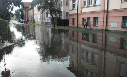 Po godzinie 15 nad Szczecinkiem przeszła potężna ulewa