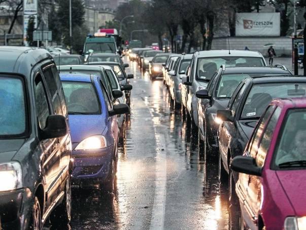 Liczbę samochodów zarejestrowanych w Rzeszowie urzędnicy szacują już na ponad 125 tysięcy.