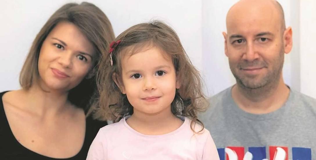 Jordi Aragones, trener Wisły, z córeczką Alice i żoną Kingą