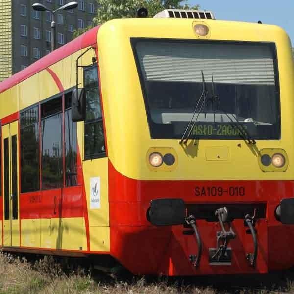 Budowa łącznicy to nie wszystko. Trzeba jeszcze zmodernizować linię, bo teraz w niektórych miejscach pociąg zwalnia do 20-30 km na godzinę.