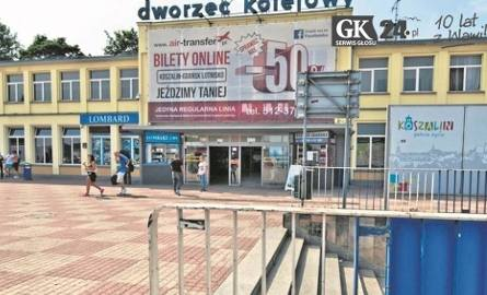 Po tym, jak pasażerowie wysiedli z pociągu i nie mogli wyjść z dworca w Koszalinie, bo drzwi były zamknięte, PKP obiecuje zmiany