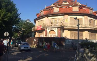 """Zrujnowany hotel """"Bałtyk"""" ma nowego właściciela"""