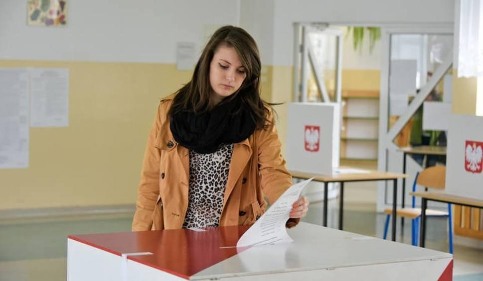 Film do artykułu: Wybory samorządowe 2018. Cisza wyborcza: ile trwa i czego nie wolno wtedy robić? Uważaj na wysokie kary za naruszenie ciszy wyborczej