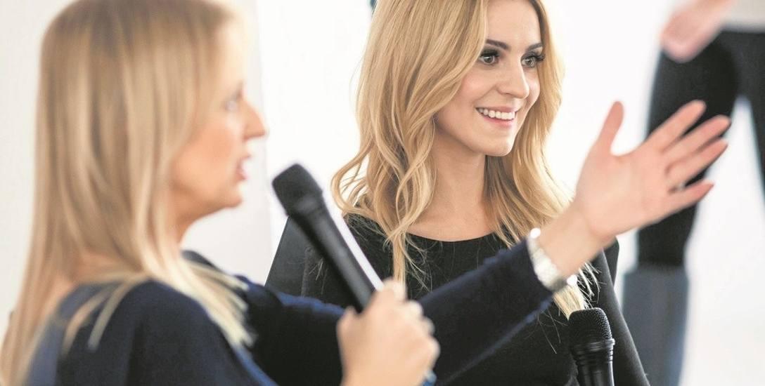Marzena Rogalska (na pierwszym planie) potrafi rozmawiać z ludźmi i wprawiać swoich rozmówców w doskonały nastrój. Co widać na zdjęciu - Katarzyna Tusk