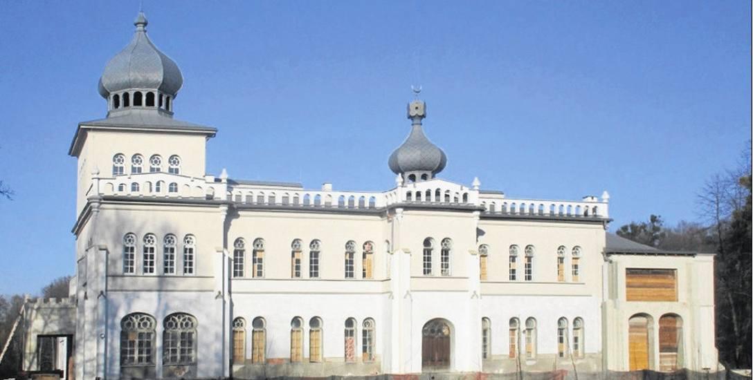 Tak obecnie wygląda pałac w Osieku, od kilku lat znajdujący się w rękach prywatnego właściciela, który przywrócił m.in. zniszczoną w latach powojennych