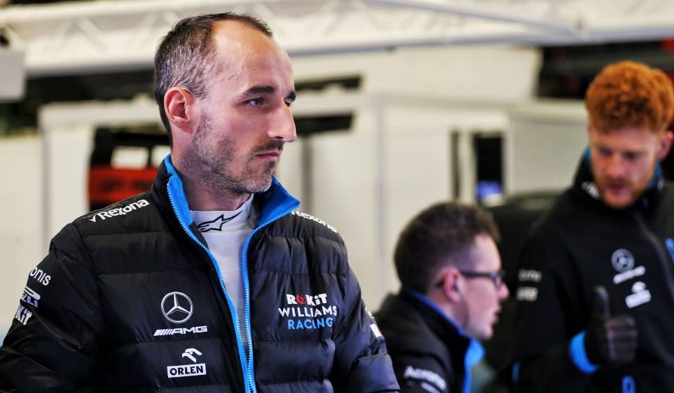 Film do artykułu: Robert Kubica powrócił na tor. Polak testuje bolid w Barcelonie [ZDJĘCIA]