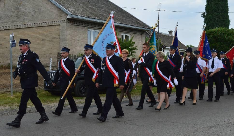 Film do artykułu: Jednostka Ochotniczej Straży Pożarnej w Rzechowie w gminie Rzeczniów obchodziła jubileusz 90-lecia istnienia. Świętowali nie tylko strażacy