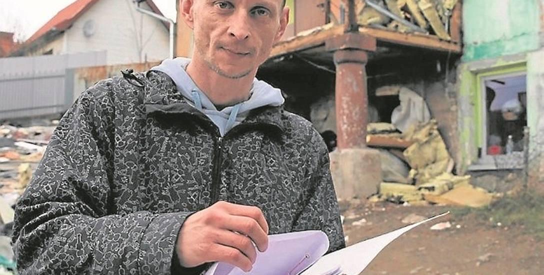 Rafał Murkowski, jeden z mieszkańców kamienicy przy ulicy Wąskiej w Limanowej, który nie chce się przenosić do Czchowa
