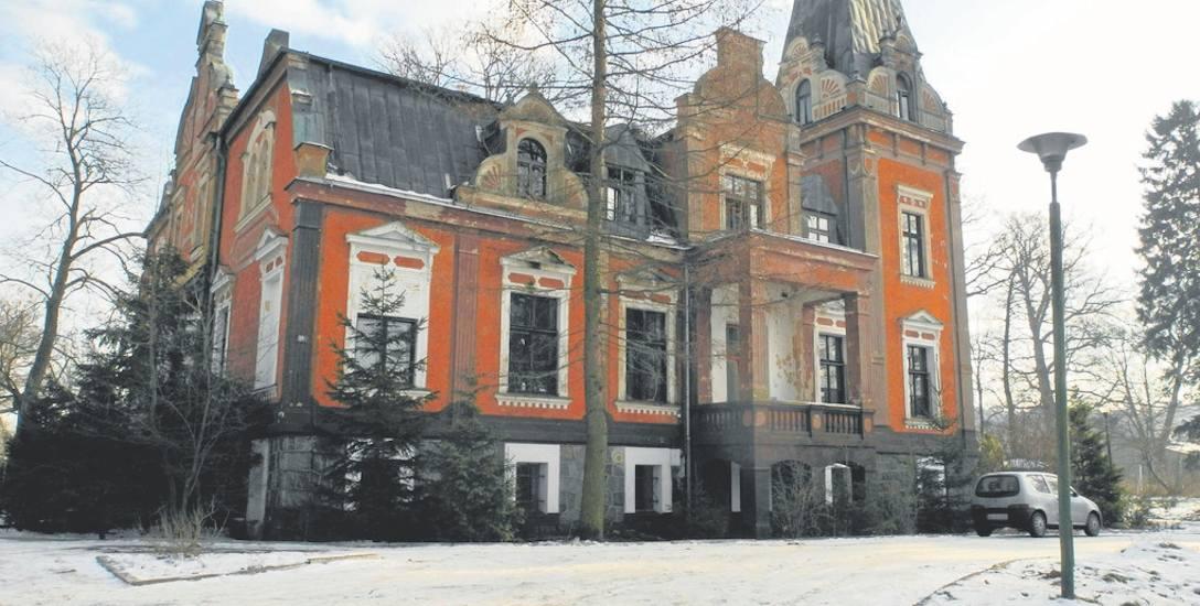 Pałac w Lubuczewie znów do sprzedania