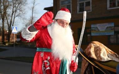 Adam Kraśko lubi być Mikołajem. Mówi, że ta praca w ogóle go nie męczy.
