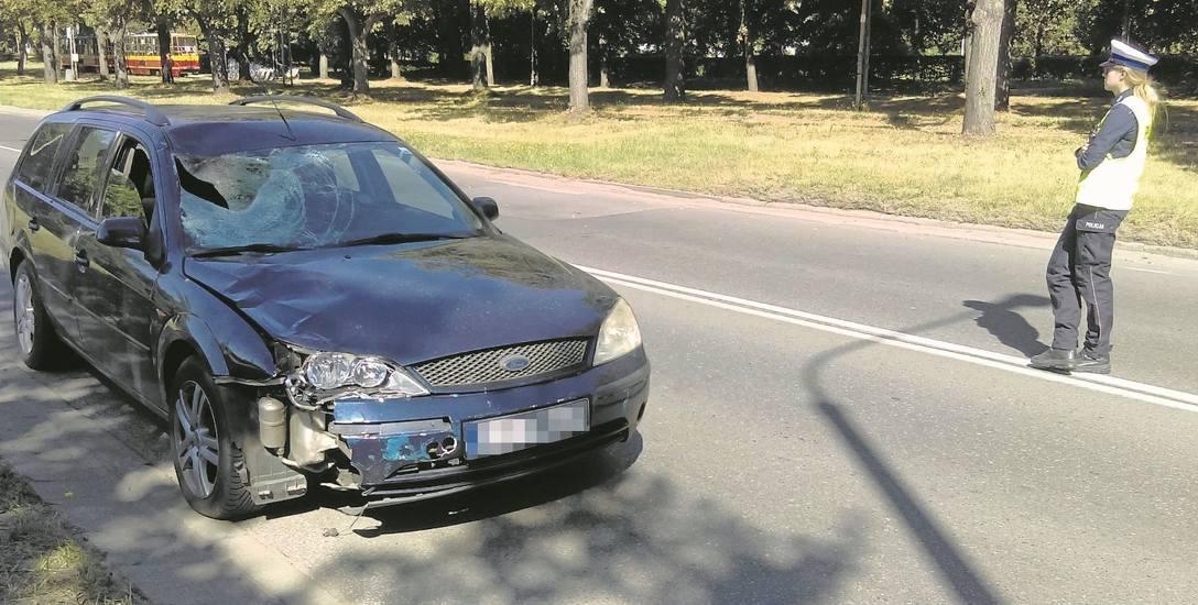Rozpędzony ford   zabił staruszka  na pasach. Potrącony mężczyzna  zginął na miejscu