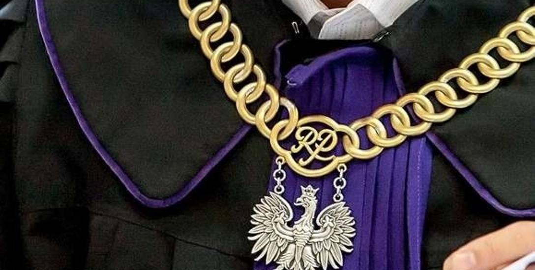 W Sądzie Rejonowym w Łowiczu w połowie lipca ruszy proces czwórki członków rady rodziców działającej przy Szkole Podstawowej im. Józefa Chełmońskiego