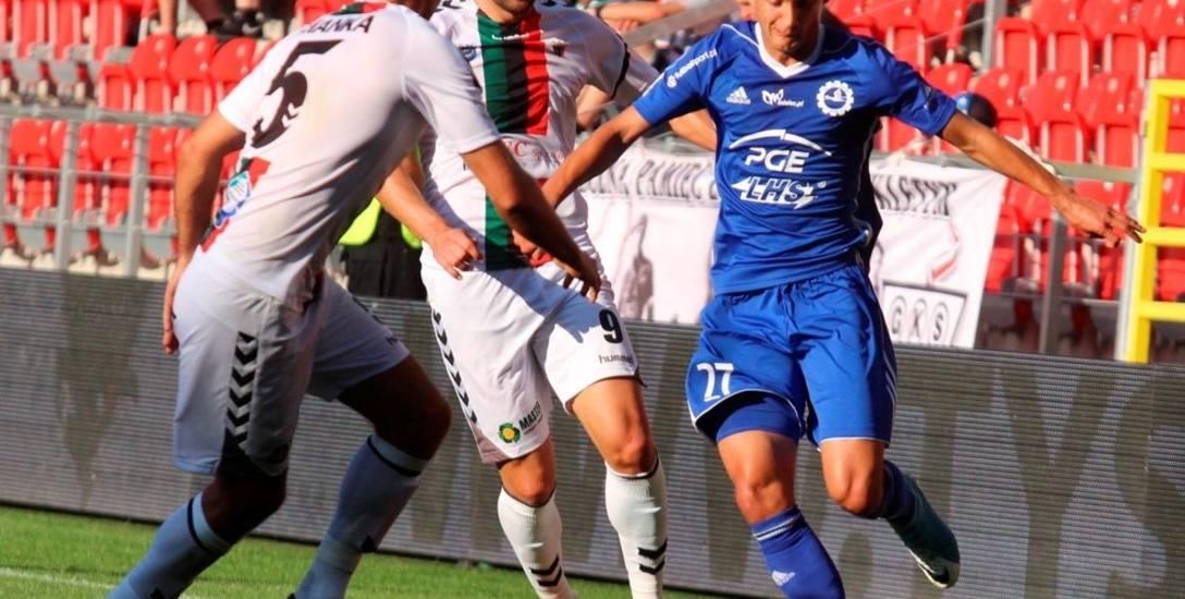 Piotr Marciniec (w niebieskim stroju) liczy, że Stal wygra dwa najbliższe spotkania