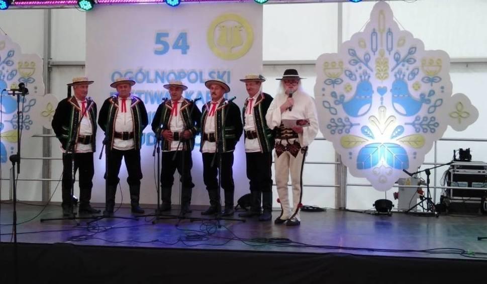 Film do artykułu: W Kazimierzu Dolnym trwa Festiwal Kapel i Śpiewaków Ludowych. Zobacz zdjęcia