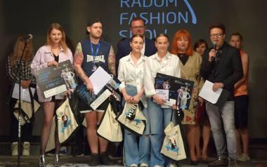 """Fashion Show 2018 w Radomiu. Był pokaz mody, koncert i inne atrakcje. Nagrodę główną zdobył projektant Adrian Krupa za kolekcję """"Fetish&amp"""