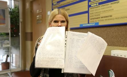 Petycję o przywrócenie miejsc parkingowych podpisali mieszkańcy, przedsiębiorcy i klienci - mówi Helena Milewska.