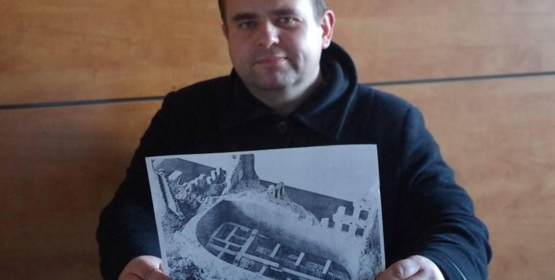 Ta makieta bunkra Anielewicza już nie istnieje. Można ją oglądać tylko na zdjęciach - mówi Romuald Kulik.