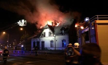 Groźny pożar w Kluczborku. Spłonął pustostan