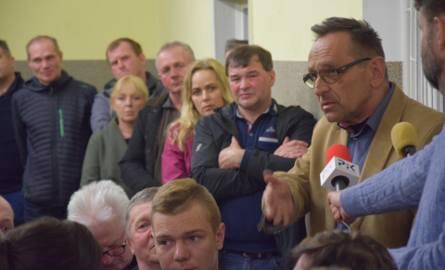 """Wójt gminy Gąsawa: Chlewnia w Szelejewie zgodna z prawem. Mieszkańcy mówią """"nie"""""""
