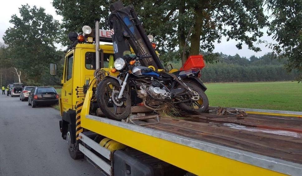 Film do artykułu: Motorowerzysta zasłabł i zmarł