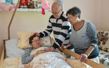Jerzy i Maria Osowscy od 50 lat opiekują się ciocią Terenią, najstarszą bydgoszczanka z zespołem Downa