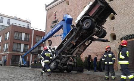 Dźwig przewrócił się w centrum Gdańska