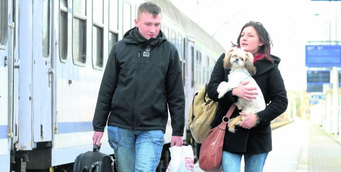 Piotr Robakowski i Agnieszka Borowicz przyjechali w piątek do Zielonej Góry z Gniezna. Często podróżują koleją. Czasem zdarzają się niespodzianki, ale