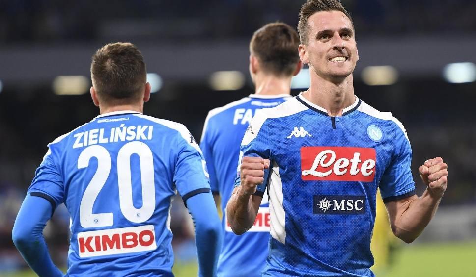 Film do artykułu: Włoskie media: Arkadiusz Milik podpisze nowy kontrakt jeszcze w tym tygodniu. Reprezentant Polski zostanie na dłużej w Napoli