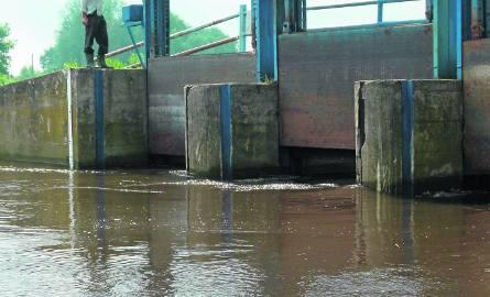 Urządzenia piętrzące wodę na rzece Ner