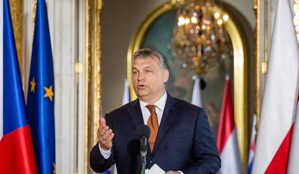 Film do artykułu: Koronawirus w Europie: Węgry wprowadziły stan wyjątkowy. Viktor Orban skupił całą władzę w swoich rękach, będzie rządził dekretami