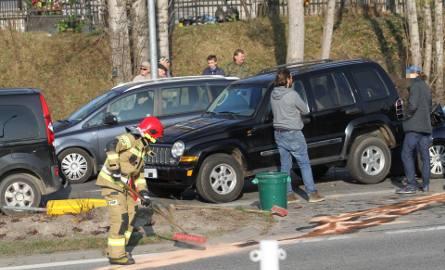 Tarnobrzeg. Zderzenie czterech samochodów na Wisłostradzie, jedna osoba została ranna [ZDJĘCIA]