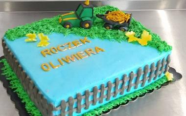 Jakie torty są modne? Niektóre z tych tortów to słodkie dzieła sztuki. Zobaczcie torty wypiekane przez ostrowianki. Zdjęcia