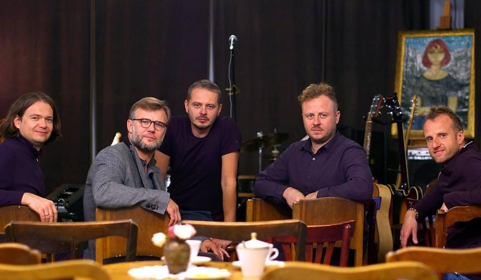 """Film do artykułu: """"W świątecznym nastroju"""" w Staszowskim Ośrodku Kultury - wystawa, koncert i degustacja potraw"""