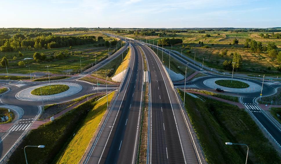 Film do artykułu: S19 - na jakim etapie jest budowa? Sprawdź, jakie odcinki już wybudowano i kiedy szybciej pojedziemy do Lublina i Warszawy