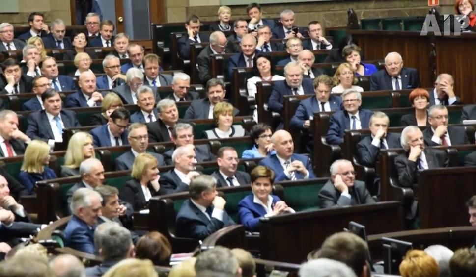 Film do artykułu: Mandat zobowiązuje, ale kultury w Parlamencie brak [WIDEO]