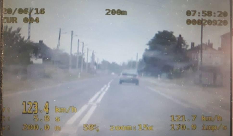 Film do artykułu: Secemin. Kierowca stracił prawo jazdy