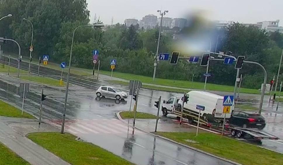 Film do artykułu: Wypadek na skrzyżowaniu Armii Krajowej z Krzyżanowskiego w Rzeszowie [WIDEO INTERNAUTY]