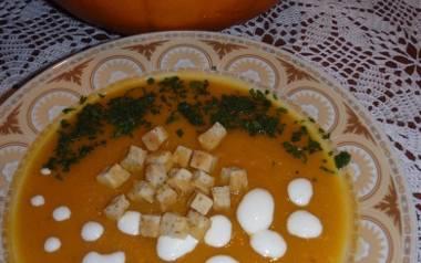 Zupa z dyni Koła Gospodyń Wiejskich.